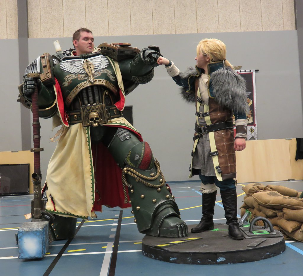 take a look at this insanely good dark angels cosplay